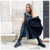 Black is back 🖤 Look #FW20 Collection by #ilmarmocchioshop Diletta indossa Abito @simonetta_official Anfibio e calza @msgmkids - #kidwear #newcollection #event