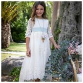 Nuovo brand e nuova cerimonia #SS21: @teteymartina.modainfantil è un brand spagnolo e crea abiti affascinanti, di alta qualità e senza tempo, dedicati a bambine per celebrare i loro momenti più speciali - In boutique #ilmarmocchioshop è disponibile l'intera collezione