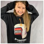 Sorridi e divertiti! Look #burberrykids disponibile in boutique #ilmarmocchioshop e #online - #kidswear