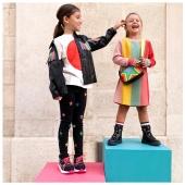 Emy e Diletta in #StellaMcCartneyKids New Collection #fw20 disponibile in boutique #ilmarmocchioshop e #online - #kidswear #stellakids #stellamccartney